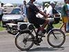 Bicicleta fazendo barulho no evento, player no guid�o, caixa com triaxiais, super tweeters e corneta